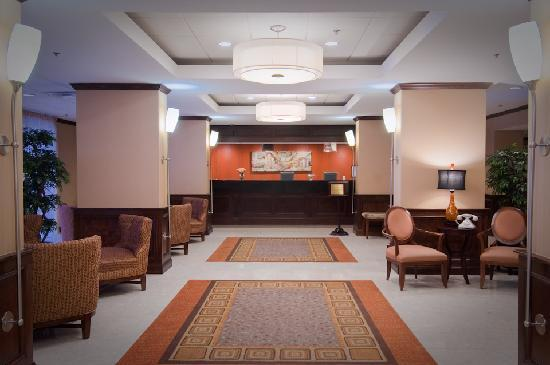 Holiday Inn Baltimore-Inner Harbor: Hotel Lobby