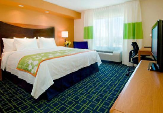 Fairfield Inn and Suites Austin North / Parmer Lane: Guest Room