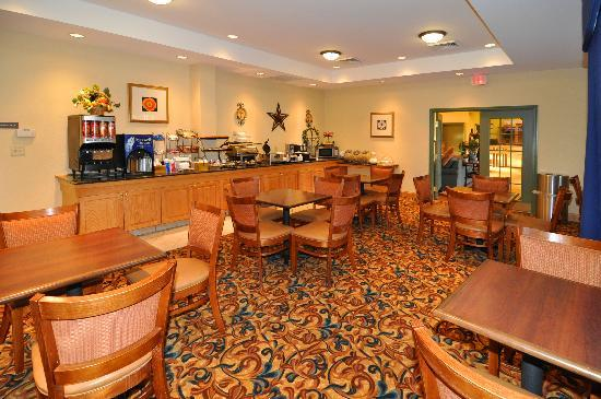 Country Inn & Suites By Carlson, Panama City Beach: Breakfast Room