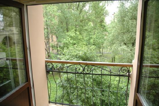 Gogol Mogol Hostel: view from balcon in the dorm