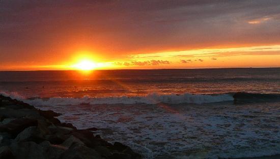 Paradise Village Beach Resort & Spa: Sunsets over Banderas Bay are beautiful!