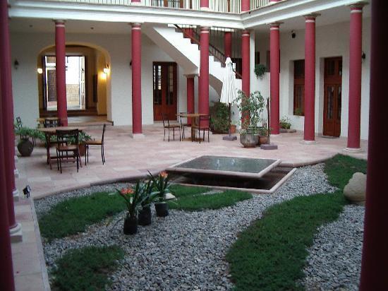 Hotel Villa Antigua: blik op de patio