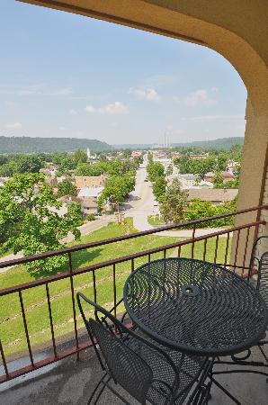 Hillside Inn: balcony view