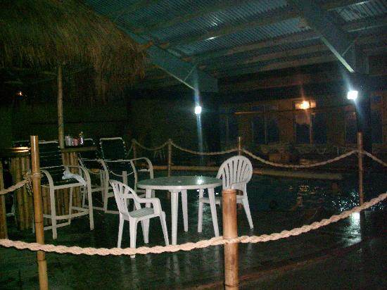 Lakeside Resort and Conference Center: the other side, lazy river area, main pool