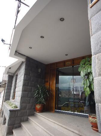 Samay Hotel: 玄関