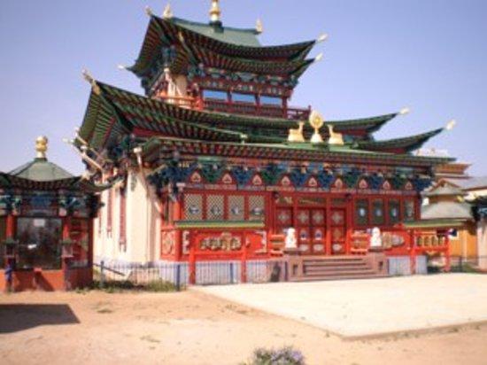 Za Baikalom : One of the temples at the Datsan monastery