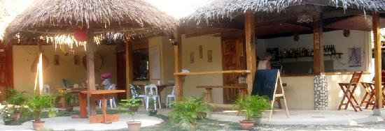 Mayas Native Garden: Restaurant with good atmosphere