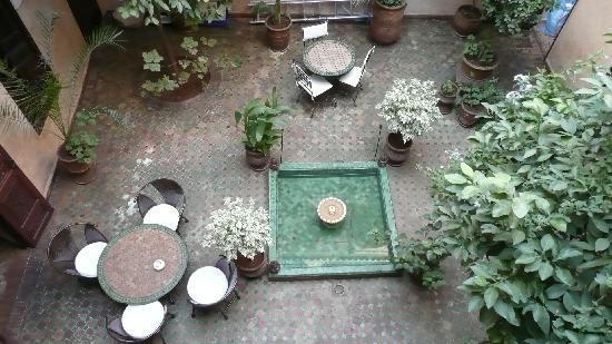 Riad Massiba: central courtyard in Riad