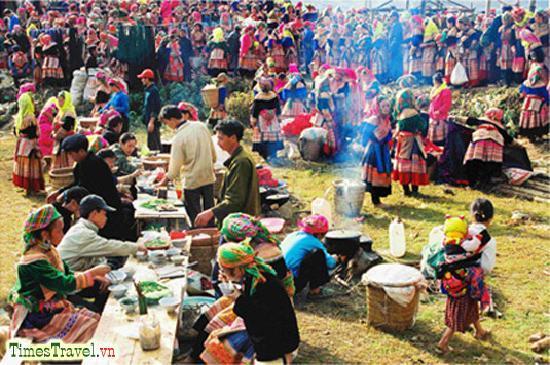 Vietnam Phoenix - Day Tours: Sapa - Bac Ha Market