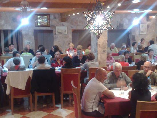 Al Rashid Hotel: Restaurant