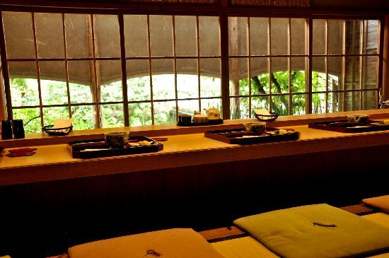 Shiraume: breakfast room