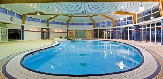 Club plein sud hotel reviews price comparison hyeres for Club piscine rive sud montreal