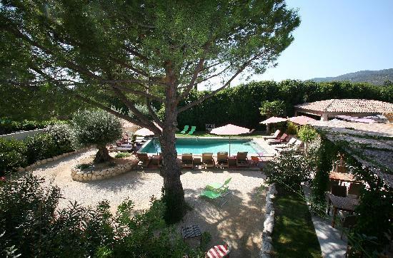Lourmarin, France: la piscine
