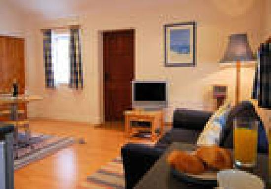 Lobhill Farmhouse: Lounge area