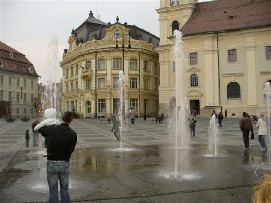 Grand-Place (Piata Mare) : square