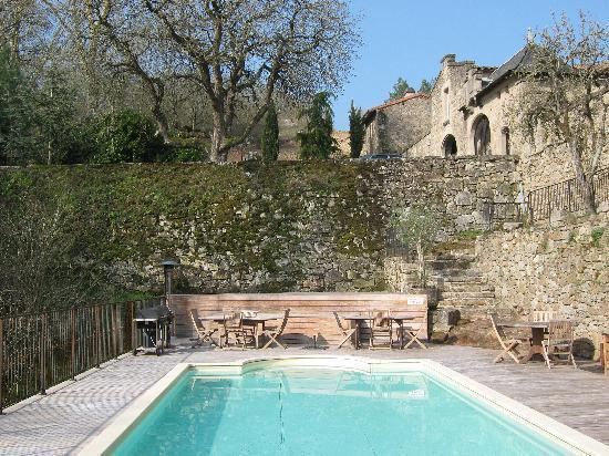Château de Montalègre : Ahhhh... the pool