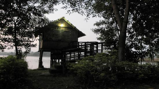 Kolad, Inde : machan