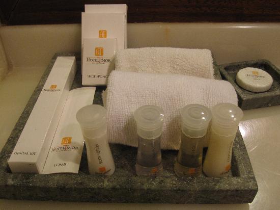 Badezimmerartikel - Bild von Hotel Timor, Dili - TripAdvisor