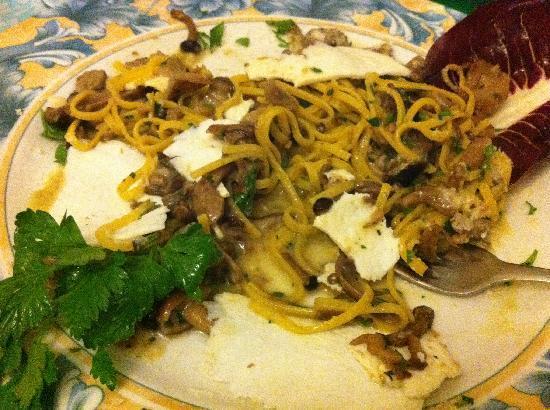 Il Posto Accanto : Fettucine with Truffles