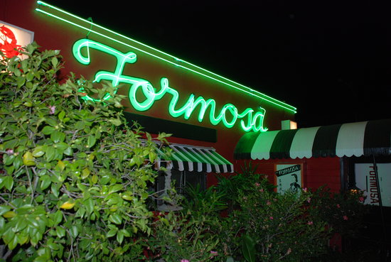 Formosa Cafe: Neon says it all when it comes to dining