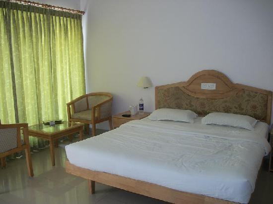 simple budget room picture of periyar meadows leisure hotel