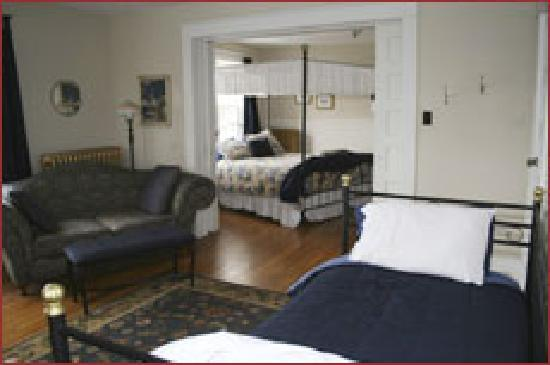 Wakamow Heights Bed and Breakfast: Executive Jacuzzi suite