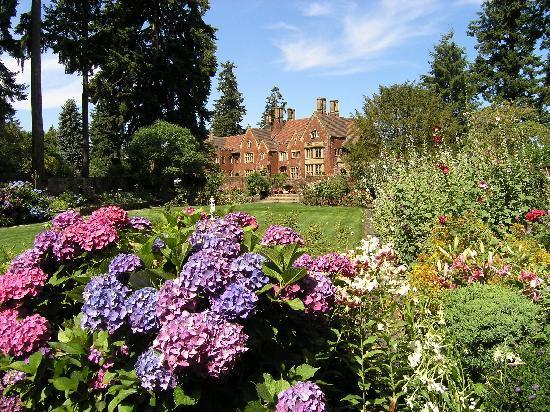 Thornewood Castle Inn and Gardens: WORLD CLASS HISTORIC THORNEWOOD CASTLE