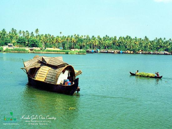 Lighthouse Beach: Alleppey House Boats