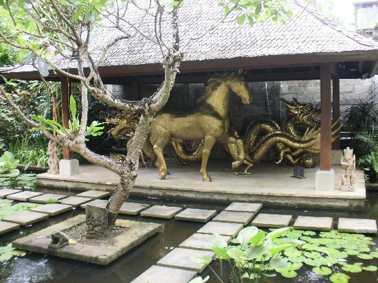 Hotel Kumala Pantai: In the Gardens near NS Block