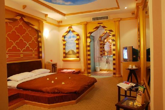 The Adventure Hotel: Harem Room
