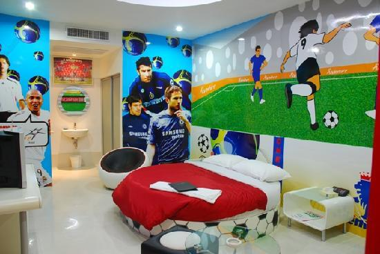 The Adventure Hotel: Premier League Room