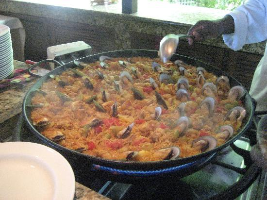 East Winds: Saturday Paella made by Lynton