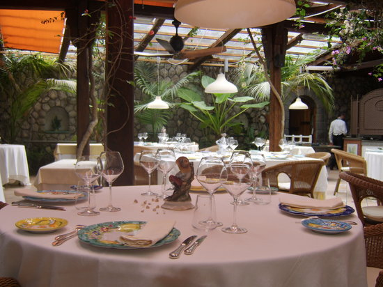 Quattro Passi: one of the beautifully laid tables