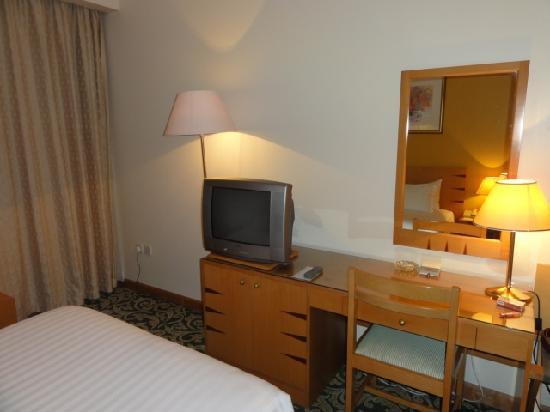 Merwebhotel Al Sadd Doha: デスク