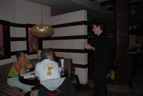 Divino Restaurant, Wine & Bar : Magic Night 2 www.guy-pardillos.net