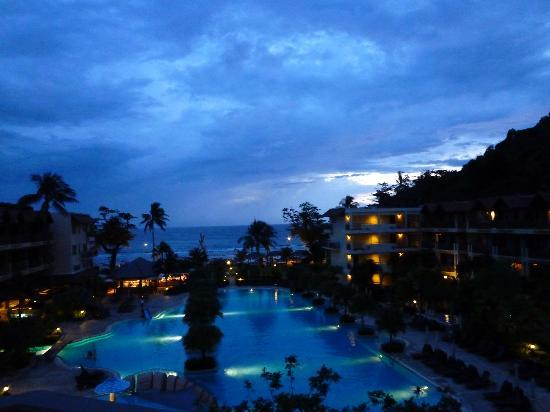Phuket Marriott Resort & Spa, Merlin Beach: night view from our room
