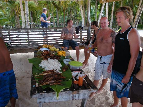 Siargao Inn: Barbeque mal ganz anders