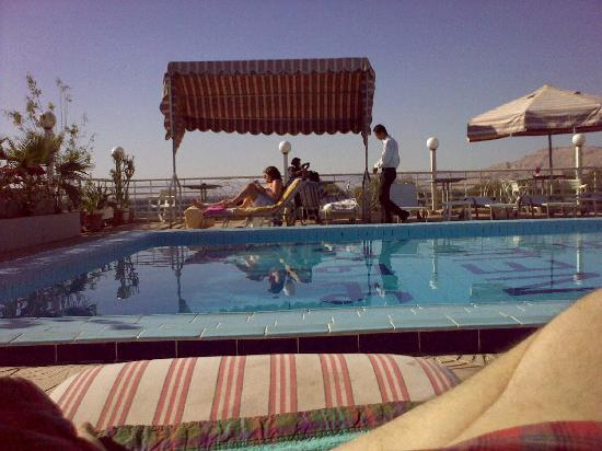New Pola Hotel Luxor : clean swimming pool with nice view