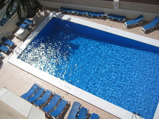 Poseidon I Apartments: piscina!
