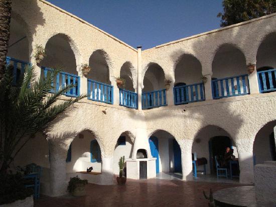 Hotel Touring Club Marhala: Courtyard