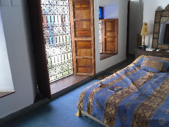 Dar Naima: The Fairouz room (no cockroaches here...)