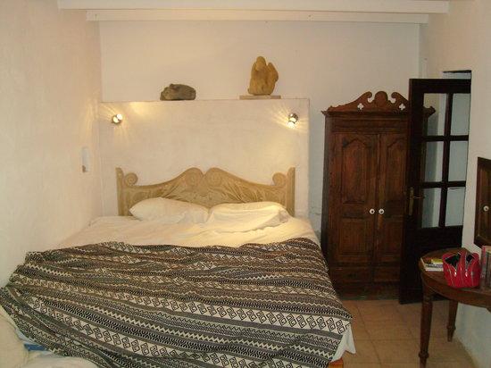 Cyprus Villages: Notre chambre (dans la pièce à côté une cuisine personnelle, et une gde salle d'eau)