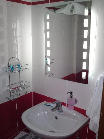 Hotel Pelias : Bathroom