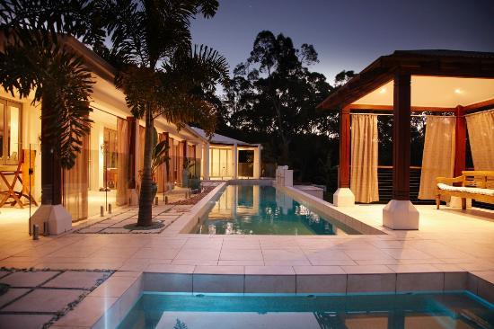 Alaya Verde: Lap pool at sunset