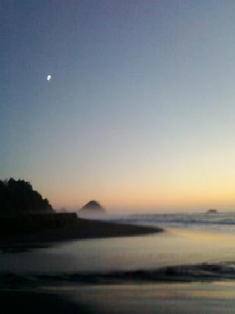 Port Orford, OR: Twi-light moon over Arizona Beach
