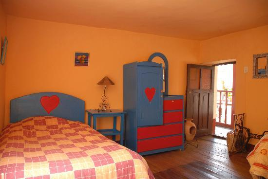 Hostal Magico: One of the available rooms (they are all decorated this nicely!)