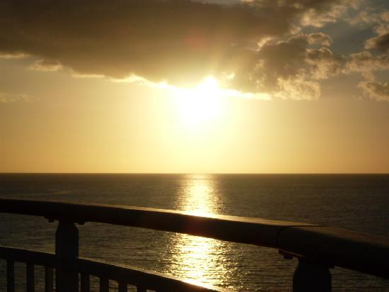 Nassau, Île de New Providence : The most Beautiful sunset you'll ever see!!!