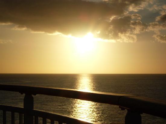 Nassau, Isla Nueva Providencia: The most Beautiful sunset you'll ever see!!!