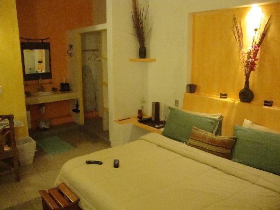 Casita de Maya: room