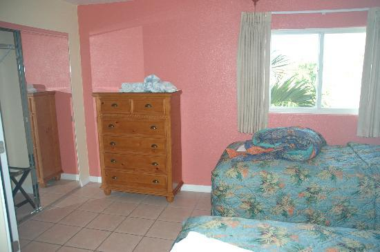 Coral Sands Resort: Upstairs 2-Twin Bedroom